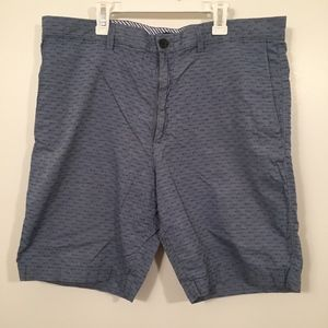 Banana Republic Men Cotton Shorts in Blue Size 36